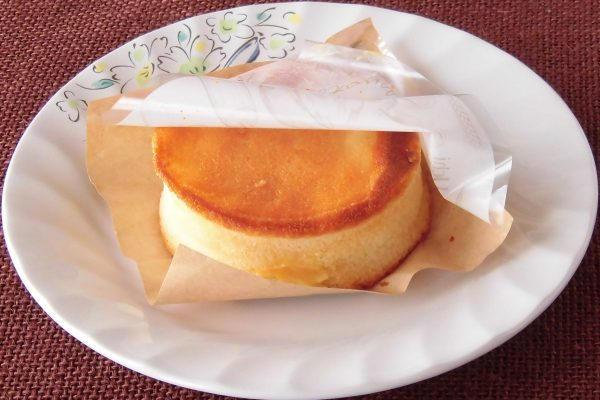 美丽的圆柱形状,如用celcle烤制的煎饼。