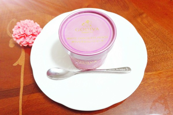 GODIVAの新作カップアイス「ホワイトチョコレート ピーチ」がセブンイレブンから先行販売♪