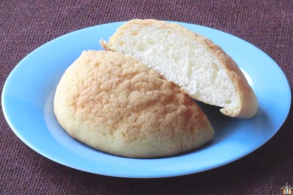 外見は普通のメロンパンと変わりない。