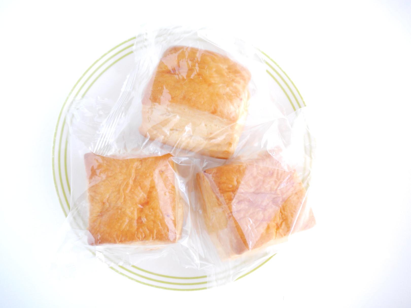 アメリカでは、スコーンのように外がカリッと中がしっとりしたパンやケーキのようなものを、ビスケットって呼びますよね。