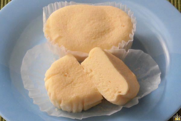 ブラン使用とは思えない、ほぼ真っ白の蒸しパン。