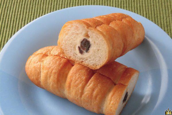 ちぎりやすいようくびれの入ったフランスパン。
