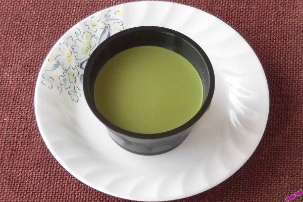 濃厚な豆乳とほろ苦い抹茶を組み合わせた、まろやかな口当たりのプリン。