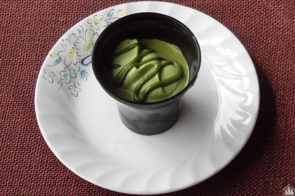 渋みと香りの宇治抹茶をショコラ、ホイップ、ソースに使用した、とろ生食感ショコラの抹茶バージョン。