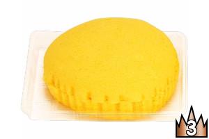 マンゴークリームとホイップがサンドされた、しっとりふわふわな蒸しケーキ。