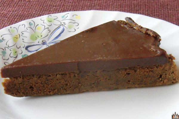 みっしりケーキとなめらかクリームの2層がはっきり見て取れます。