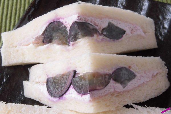 大粒のみずみずしい果肉が1パックに都合4粒分入っています。