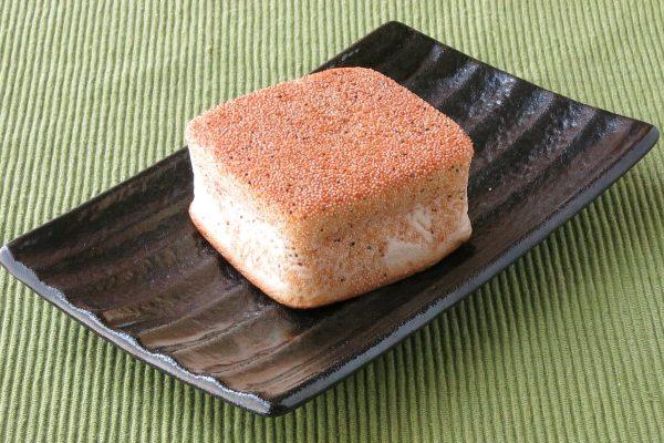 角の立った四角いパン。